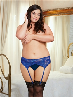 Plus Size Scalloped Lace Garter Belt