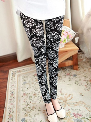 Brocade Print Stretch Leggins