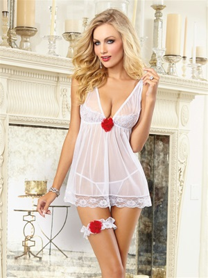 Contrast Flower Bridal 3 PC Set With Garter